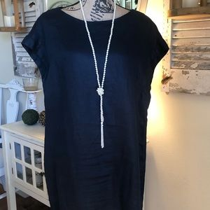 Navy linen dress. Size large. By Tahari.